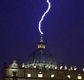lightning_strikes_vatican_david_wilcock_article