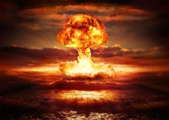 cyberwar-nuclear-war.j